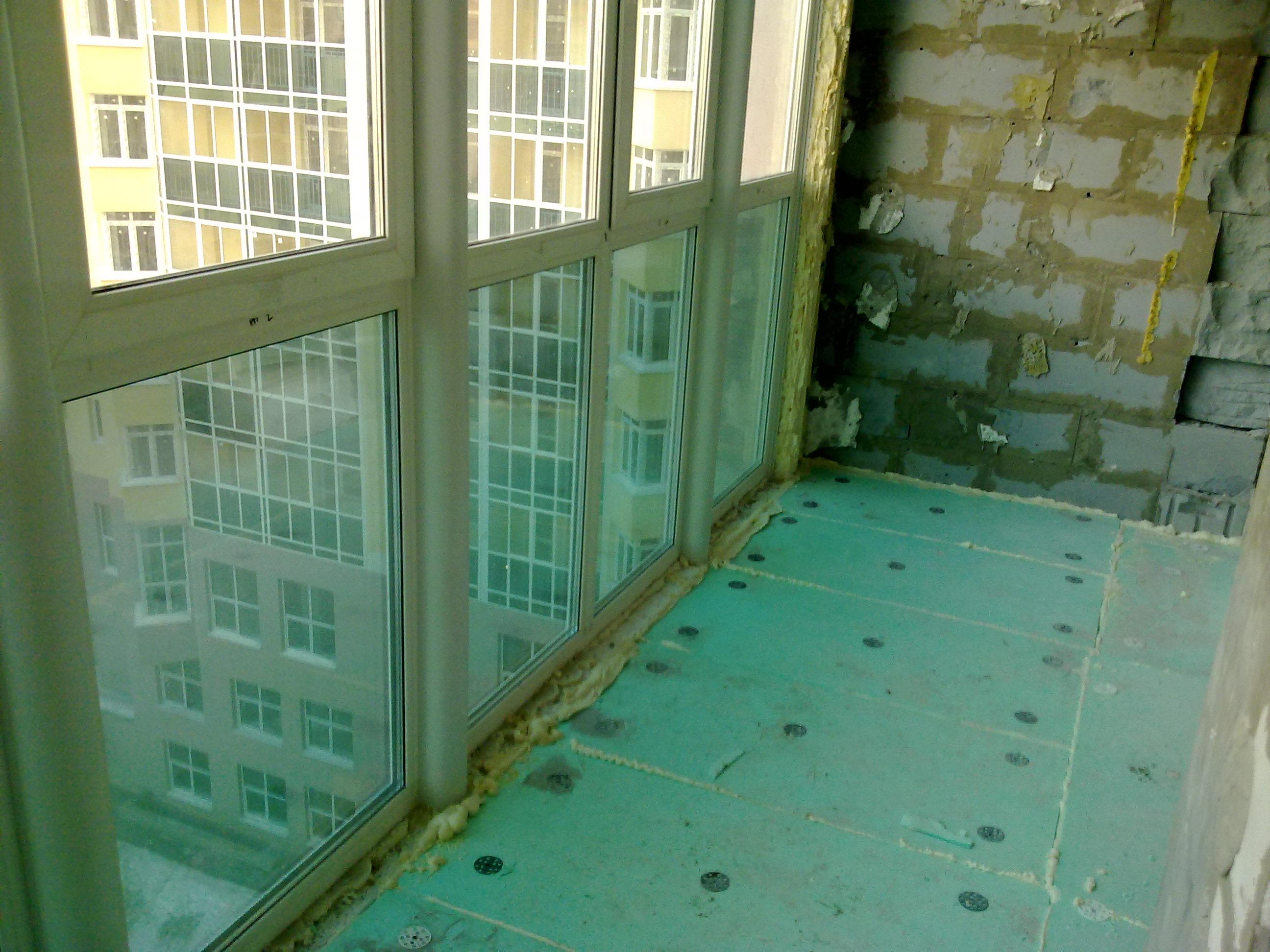 Как утеплить балкон с витражным остеклением.