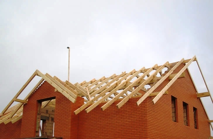 Строительство крыши в частном доме своими руками